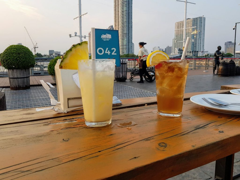 Drinking cocktails while waiting for the sunset