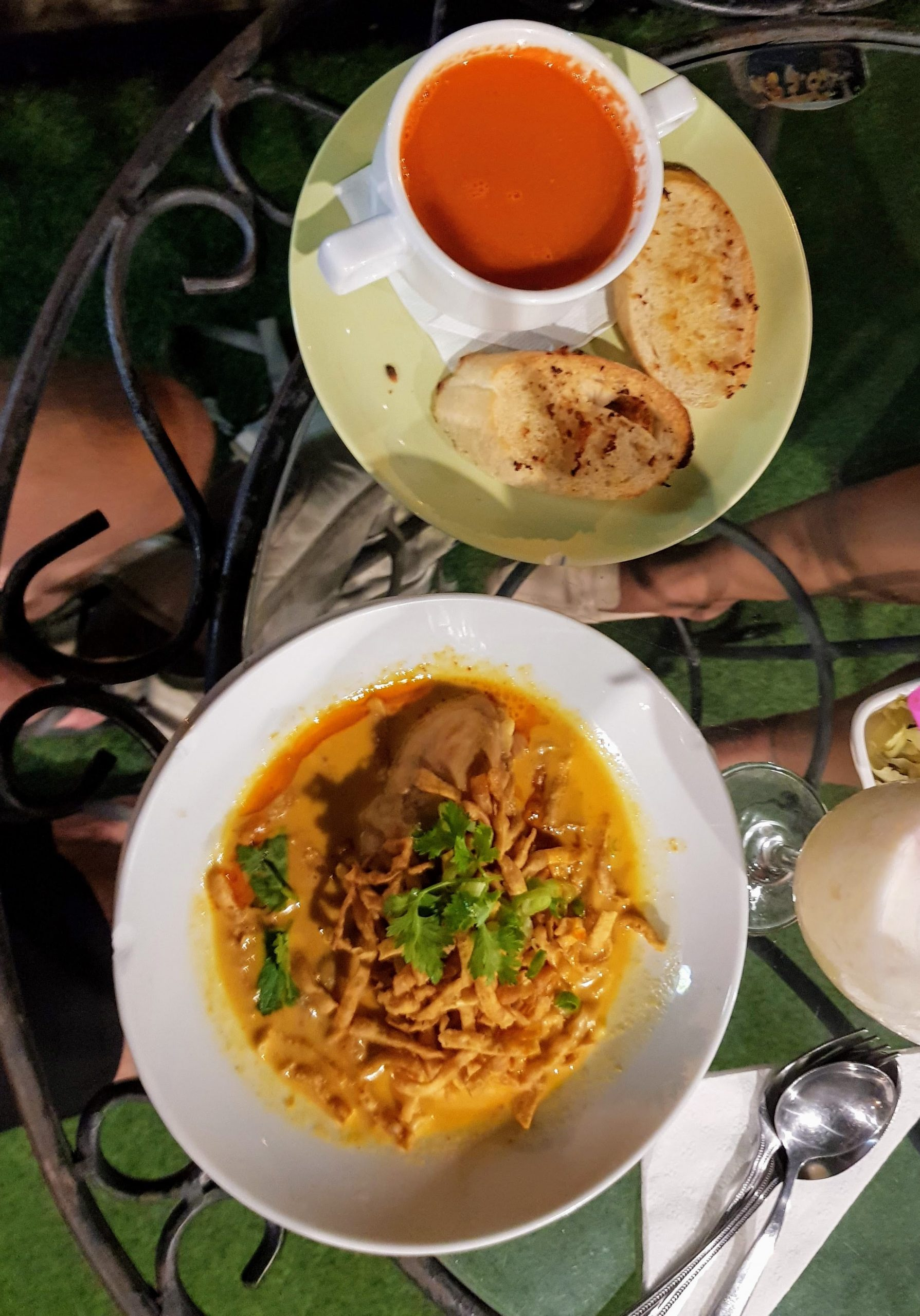 khao soi and tomato soup at Loi Kroh Road